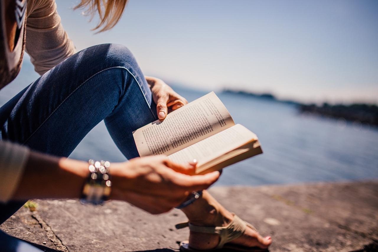Luid de zomer in met deze 10 leuke romans!